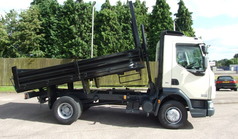 side view of daf 45 ex council tipper truck