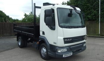 front view of white daf tipper