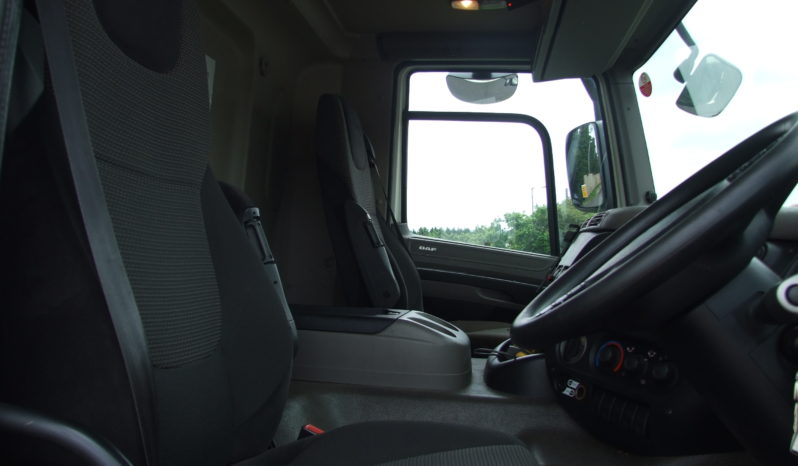 DAF CF65.220 CURTAINSIDER WITH DAY CAB full